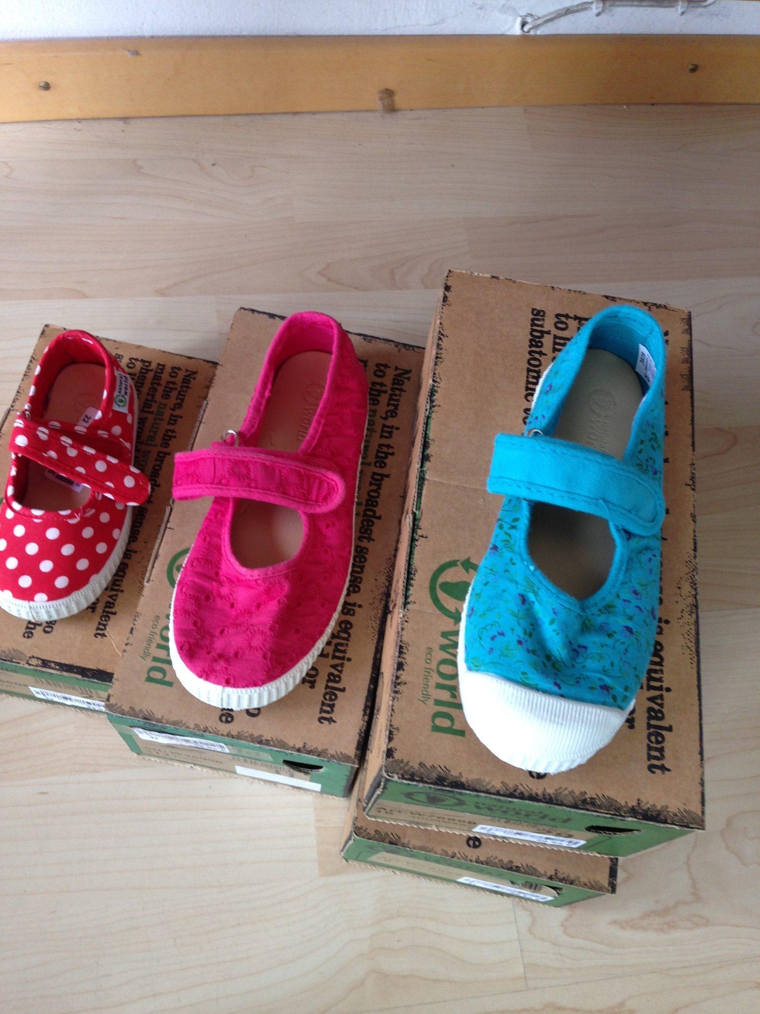 Schuh-Kollektion von NATURAL WORLD